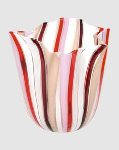 Tulip vase made by Fulvio Bianconi & Venini      Murano blown and hand-crafted glass