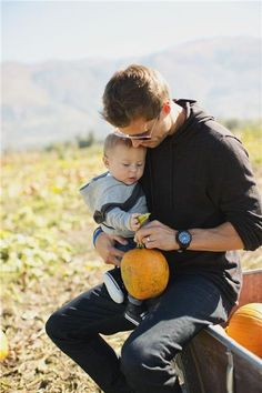 11 Things to Do In October Baby Family, Family Pics, Family Over Everything, Pumpkin Patch Outfit, Fall Must Haves, Casual Wear For Men, Dear Future Husband, Super Dad, First Halloween