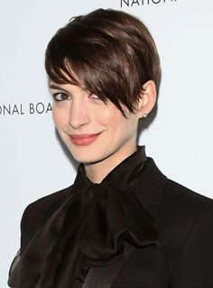 Two Tricks That'll Give You Anne Hathaway's Sexy Rock-Star Hair Texture: Girls in the Beauty Department