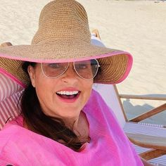 Mariska Hargitay Mariska Hargitay, Panama Hat, Tunic, Celebrities, Beach, Hats, Instagram, Fashion, Moda
