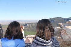 Descubriendo castillos. Mirando al castillo de Salvatierrra desde el castillo de Calatrava. Una de las últimas fronteras con Al-Andalús