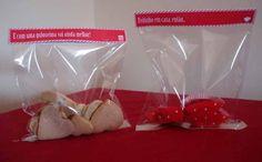 Biscoitos e queques caseiros com embalagem personalizada