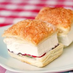 Raspberry Vanilla Ice Cream Puff Pastries - forget Eskimo Pies this, fill your summer freezer with these great little ice cream pastries.