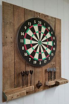 Handmade Rustic Pallet Dartboard Set Up