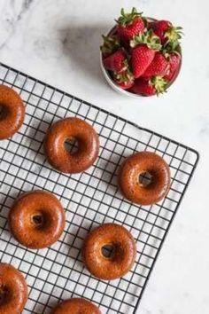 Strawberry Donut Cakes / blog.jchongstudio.com #glutenfree #paleo