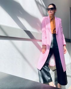 "16.4 хил. харесвания, 127 коментара – Olivia Palermo (@oliviapalermo) в Instagram: ""💕Love Spring 🌸💐"" Olivia Palermo Style, Style Watch, Work Looks, Instagram, Fashion Watches, Spring, Style Icons, Celebrities, Rose"