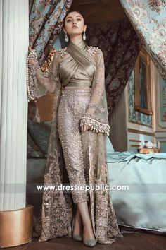 'Un Beau Reve' – A beautiful Dream Luxury Bridal Collection By Republic Womenswear Republic Womenswear presents its 2018 Bridal Couture Collection Pakistani Wedding Outfits, Pakistani Dresses, Indian Dresses, Indian Outfits, Walima Dress, Indian Designer Outfits, Designer Dresses, Moda Chic, Buy Dresses Online