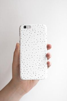 hard cover phone case for iPhone and Samsung phones. Simple and minimalistic black and white dot pattern. Designed in Vienna, Austria, produced in Germany. By annalauraloves.