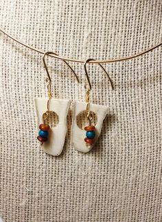 Handmade Red Horn, Australian Jasper, Deer Antler Dangle Earrings by JujusNature on Etsy Deer Antler Jewelry, Antler Art, Jewelry Ideas, Unique Jewelry, Deer Antlers, Wood Work, Beaded Earrings, Knives, Jasper