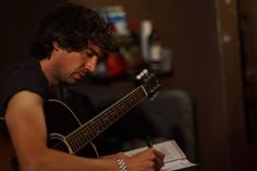 Gary Lightbody, Snow Patrol, I Love Snow, Music Pictures, Eye Candy, Singer, Instagram Posts, Pony, Bands