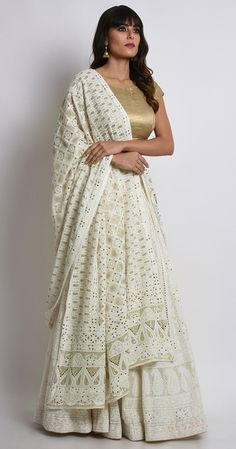 not really impressed by the blouse.bt rest is pretty Indian Bridal Outfits, Indian Designer Outfits, Indian Dresses, Designer Dresses, Indian Attire, Indian Wear, Lehenga Designs, Lakme Fashion Week, Traditional Dresses