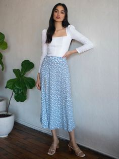 Long Skirt Fashion, Modest Fashion, Midi Skirt Casual, Midi Skirts, Long Skirts, Mode Outfits, Fashion Outfits, Cute Comfy Outfits, Aesthetic Clothes