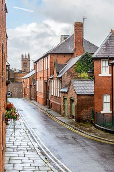 9 Underrated Cities in Britain You Should Visit - These are Worth a Trip Cool Places To Visit, Places To Travel, Places To Go, Cities In Uk, Orange Brick Houses, Cheshire England, England And Scotland, England Uk, Voyage Europe