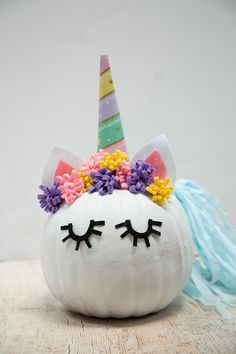 Turn a faux pumpkin into a magical and darling unicorn this Halloween! Diy Wedding Projects, Diy Craft Projects, Crafts For Kids, Fall Projects, School Projects, Pumpkin Art, Pumpkin Crafts, Pumpkin Ideas, Halloween Birthday Cakes