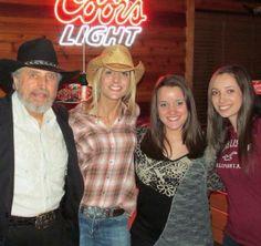 Texas Roadhouse- Captain Jack, Agostina, Kayla Calabrese, & Nikki Britt