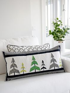 Paper pieced Christmas tree pillow