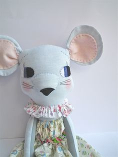 Jenni's cloth mouse in vintage florals  Cloth & Thread