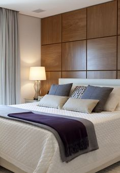 Elegant bedroom | You can find many types of wallpapers, in wood and different materials. www.masterbedroomideas.eu