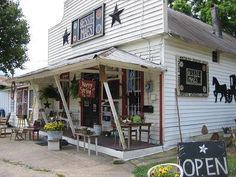 Bessie Maes primitive store outside Dahlonega, GA.  now closed