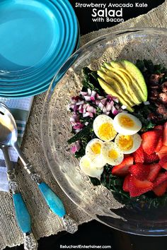 Beautiful Seasonal Food: Strawberry Avocado Kale Salad with Bacon Ham Salad, Salad Bar, Soup And Salad, Bacon Recipes, Salad Recipes, Cooking Recipes, Quick Easy Healthy Meals, Healthy Recipes, Clean Eating