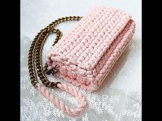 Marvelous Crochet A Shell Stitch Purse Bag Ideas. Wonderful Crochet A Shell Stitch Purse Bag Ideas. Crochet Clutch, Crochet Handbags, Crochet Purses, Crochet Yarn, Crochet Stitches, Crochet Patterns, Crochet Bag Tutorials, Lidia Crochet Tricot, Crochet Phone Cases