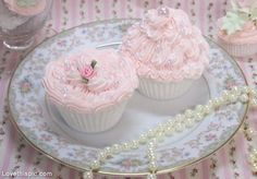 Pink Pearl Cupcakes pink pretty pearls cupcake dessert decorate frosting bake
