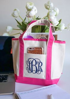 Small Bridesmaid Totes | These make a great gift bag for your bridesmaids who can then use them as a lunch tote, shower caddy, etc...
