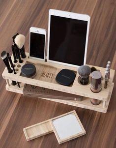 Способ №33. Органайзер для косметики с подставкой для планшета и телефона