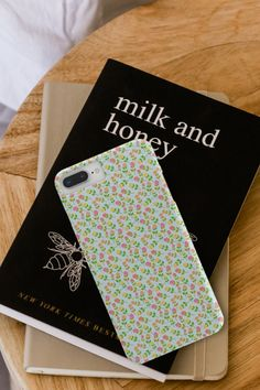 🌷🌷Another one of our roses cases and it is just what the summer called for 🌷🌷 Available for iPhone or Samsung. #rosescase #phonecases #phonecovers Lights Background, Phone Backgrounds, Phone Covers, Roses, Samsung, Iphone, Floral, Summer, Mobile Covers