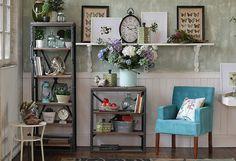¡#Naturaleza en interiores! Nos encanta la #colección #Botánica. #DecoBazar #Living #Plantas #Flores #Decoración Shelving, Bookcase, Inspiration, Home Decor, Home Deco, Bazaars, Houses, Vintage Decor, Home Decoration