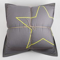 housse de couette grise on pinterest. Black Bedroom Furniture Sets. Home Design Ideas