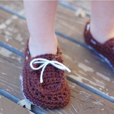 Toddler Crochet Boat Shoes - Free Pattern by our friend Bethany from Whistle and Ivy