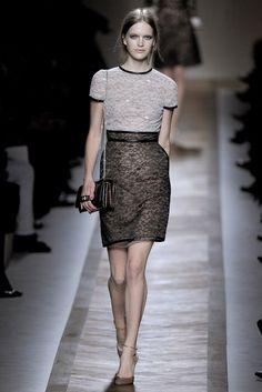 Valentino Spring 2011 Ready-to-Wear Collection Photos - Vogue