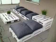 can't afford that outdoor furniture? MAKE your own!!! Here is another great pallet couch design! I would probably make it a little higher by adding a second layer of pallets. All you would need is the pallets, wood screws, paint, and a few cushions. ✻ღϠ₡ღ✻ DIY (¯`✻´¯) `*.¸.*✻✿ ✻¸.*FOLLOW ME ON FACEBOOK *✻✿ ♥✿´¯`*•.¸¸✿♥✿´¯`*•.¸¸✿♥✿´¯`*•.¸¸✿♥✿´¯`*•.¸¸✿♥✿ I am always posting awesome stuff! www.facebook.com/roshaun.lodgepenny