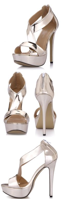 #Zapatillas doradas ideales para utilizar durante la #noche. Encuéntralas aquí.