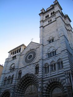 Genova Pisa, City Photography, Far Away, Planet Earth, All Over The World, Barcelona Cathedral, Places Ive Been, The Good Place, Italy