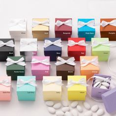 Two-Piece Colorful Wedding Favor Boxes | #exclusivelyweddings