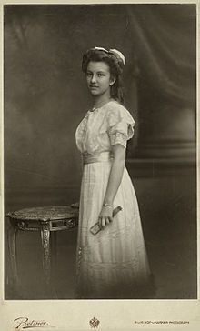 The Archuchess Hedwig of Austria-Tuscany (1896-1970). She was a daughter of The Archduke Franz Salvator and his 1st wife, The Archduchess Marie Valerie of Austria. She was the wife (1918-1952) of The Count Bernhard of Stolberg-Stolberg. Her children were The Counts Franz Josef, Friedrich, Bernhard, Carl, and Ferdinand, and The Countesses Marie Elisabeth, Therese, Anna, and Magdalena.