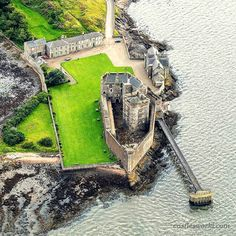 "Blackness Castle, Scotland Because of its site, jutting into the Forth, and its long, narrow shape, the castle has been characterized as ""the ship that never sailed"". The north and south towers are often named ""stem"" and ""stern"", with the central tower called the ""main mast"""