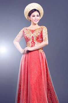 This #wedding #aodai makes me think of saris. Must be all of the intricate gold detailing.