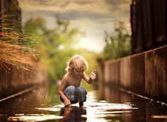 Ben in the Rain   San Antonio Child Photographer