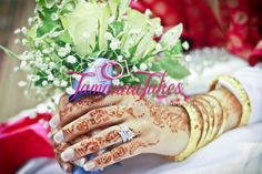 #White #Bridal #Bouquet   #TamannaTakes    Female Wedding & Events Photographer    Copyright © 2014 Tamanna Takes. All rights reserved.