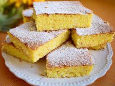 """Prăjitura """"Mălai dulce"""", un desert pe cât de simplu, pe atât de gustos și de nerefuzat. Se face rapid, fără bătăi de cap!"""