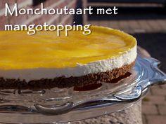 Dit was echt een heel lekkere taart! Een monchoutaart met mangotopping. Door de mangotopping werd de monchoutaart niet zo zoet, maar juist lekker fris. Normaal gesproken maak ik altijd een 'k…