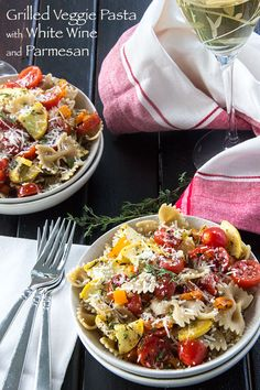 Grilled Vegetable Pasta with Parmesan & White Wine Sauce (use #glutenfree brown rice farfalle) | #vegetarian