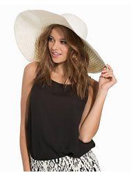 I love that hat!