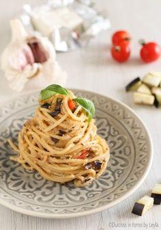Spaghetti alla crema di melanzane, cremosissimi Gourmet Recipes, Vegetarian Recipes, Healthy Recipes, Spaghetti Recipes, Pasta Recipes, Italian Dishes, Italian Recipes, Yummy Appetizers, Appetizer Recipes