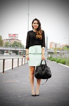 #peplum #outfit #skirt #bag #prada #zara #details #outfit #fashion #chic www.ireneccloset.com