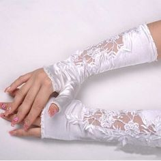 VENICE LACE SEQUIN BRIDES WEDDING SATIN FINGERLESS FAUX PEARLS GLOVES