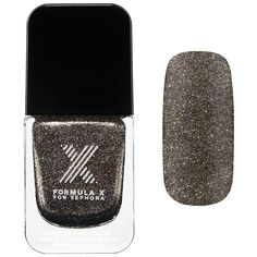 What it is: A sophisticated metallic polish that fuses rich, matte color with luxurious, textured glitter.   What it does: This metallic microglitter lacquer goes on with full coverage and dries down to a unique shimmer-meets-matte textured finish